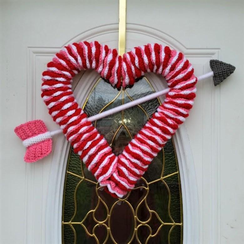 Valentine S Day Wreath Free Crochet Pattern Highland Hickory Designs