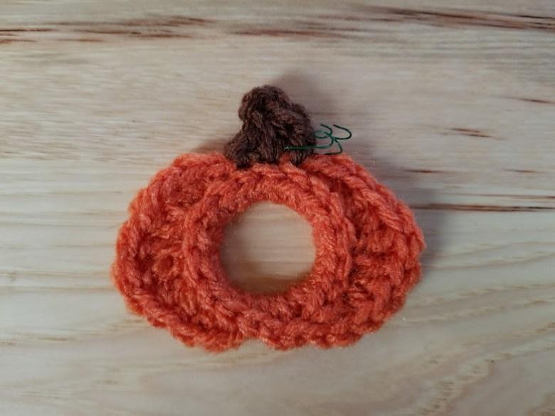 upcycled pumpkin garland