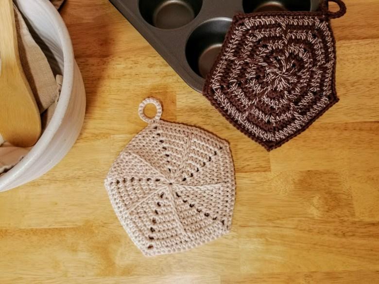 spikes and stripes potholder