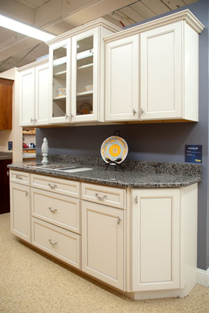 Kitchen Wall Colors For Aok Cabinets