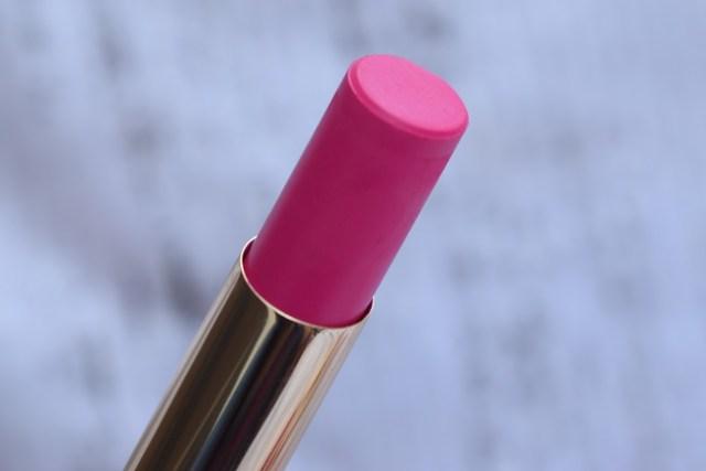 Lakme 9 to 5 Primer + Matte Lip Color - Fuchsia File