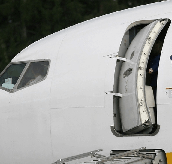 Can You Open an Airplane Door in Flight, at Altitude? – HighSkyFlying