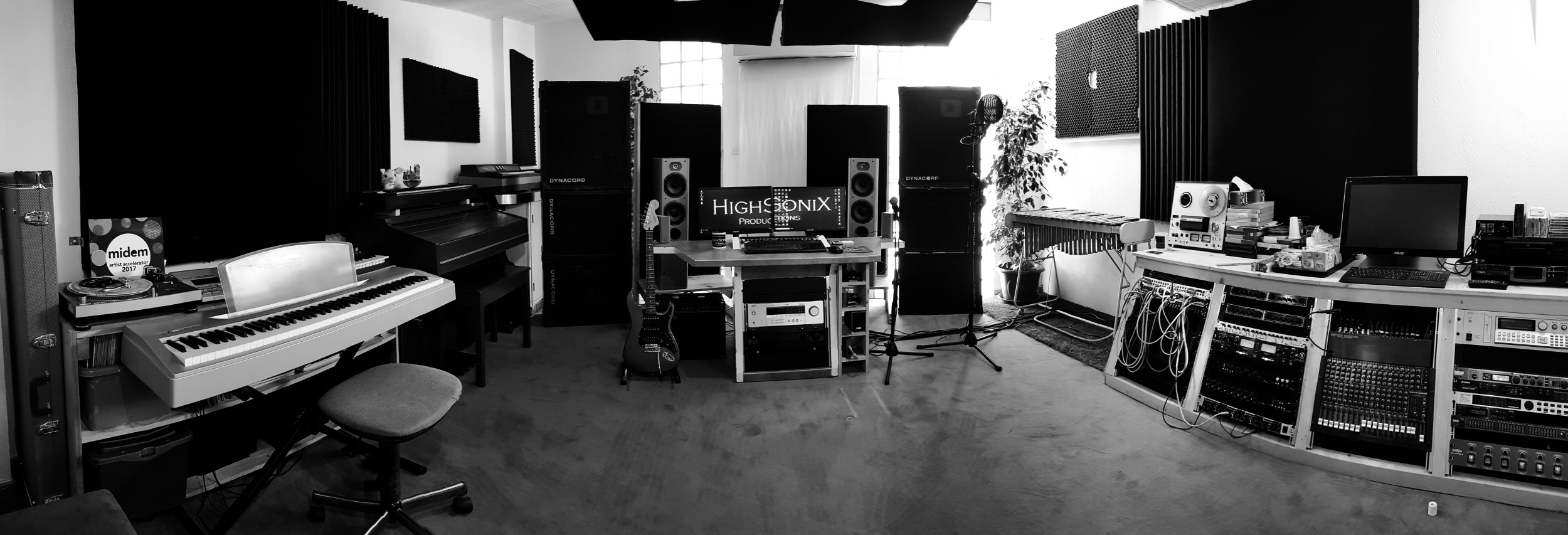 Control Room Panoramic 04