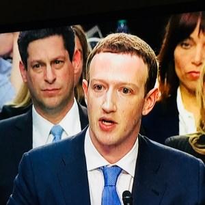 Mark Zuckerberg: Wir verkaufen Anzeigen