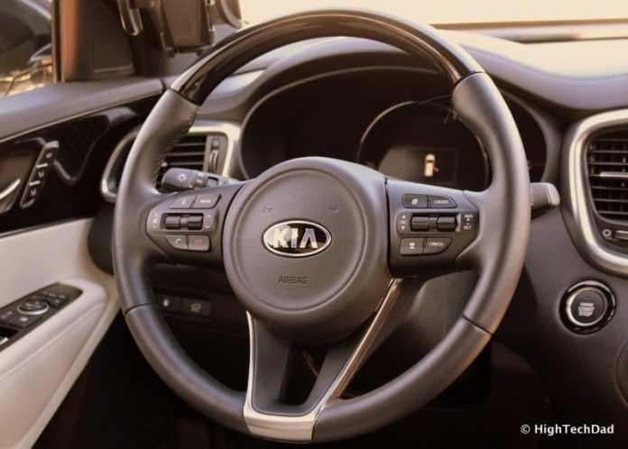 HTD 2016 Kia Sorento - steering wheel