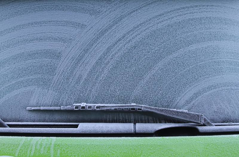 Car Winter Tips - windshield wipers