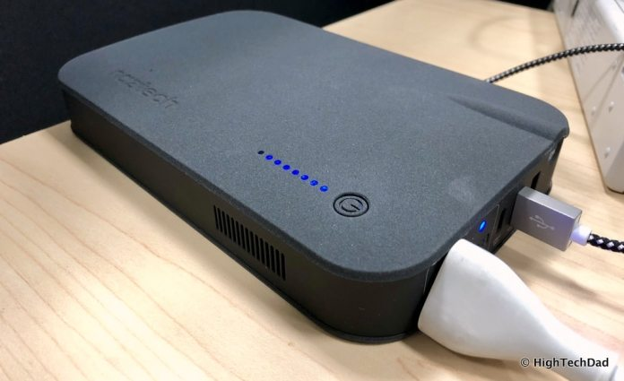 Naztech VOLT Power Station review - charging a Mac