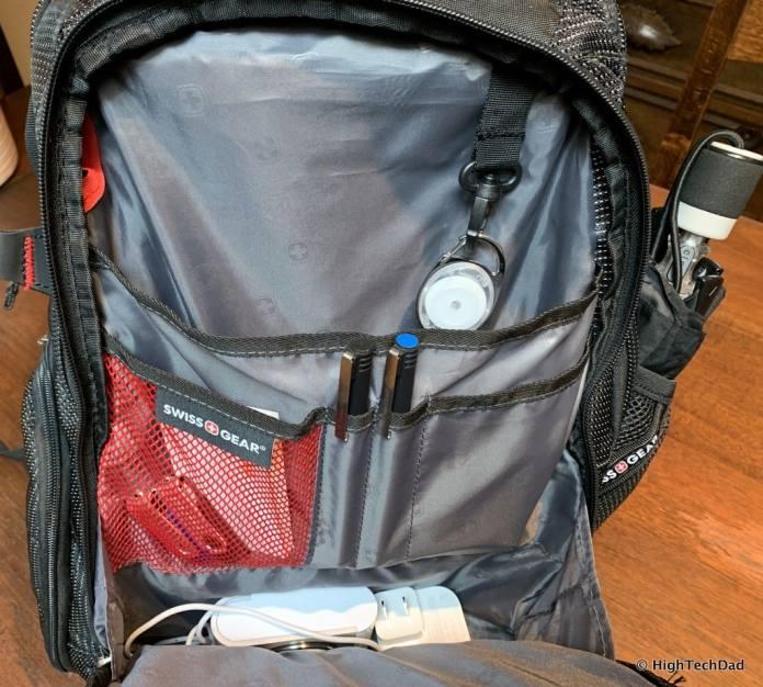HighTechDad Swissgear 5358 USB ScanSmart Backpack Review - front pocket