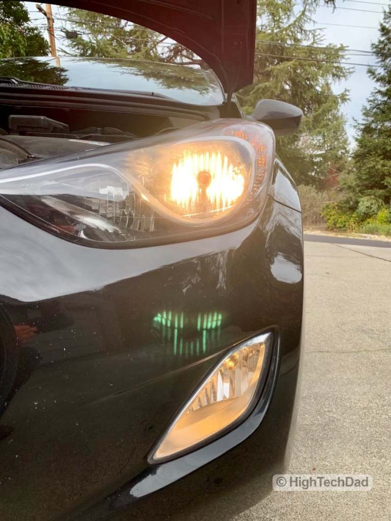 HighTechDad - How To Replace Headlight bulbs on 2013 Hyundai Elantra - driver's side working bulb