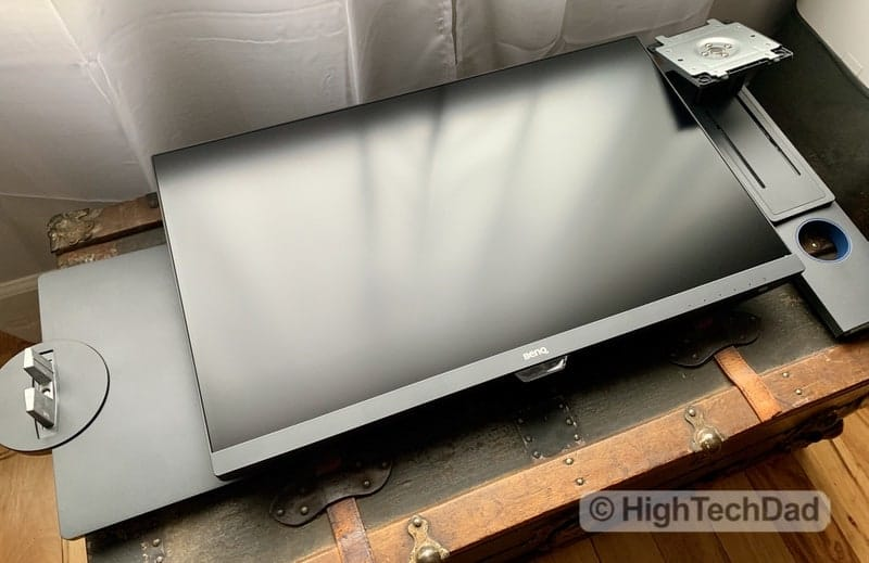 HighTechDad BenQ PD2700U monitor review - unassembled