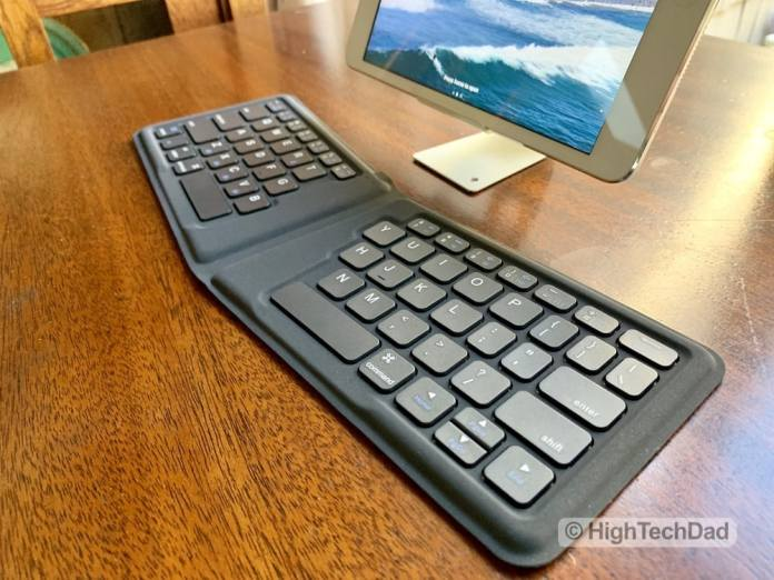 HighTechDad Kanex Foldable Bluetooth Travel Keyboard review - bifold keyboard