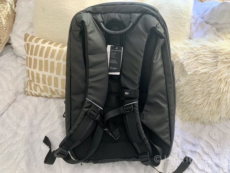HighTechDad Reviews Nayo Almighty backpack - back side