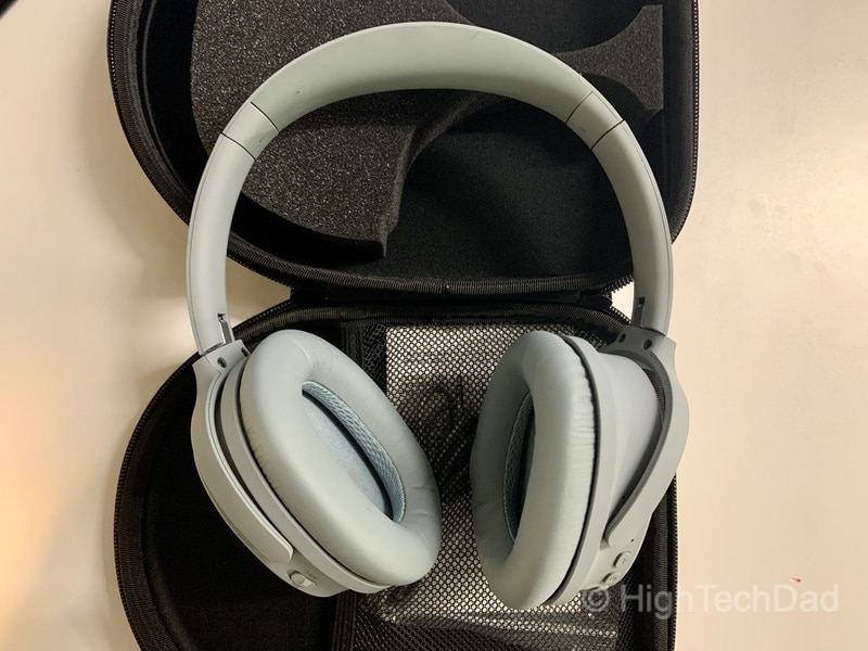HighTechDad review: dyplay ANC headphones with Bluetooth - earpads can be twisted
