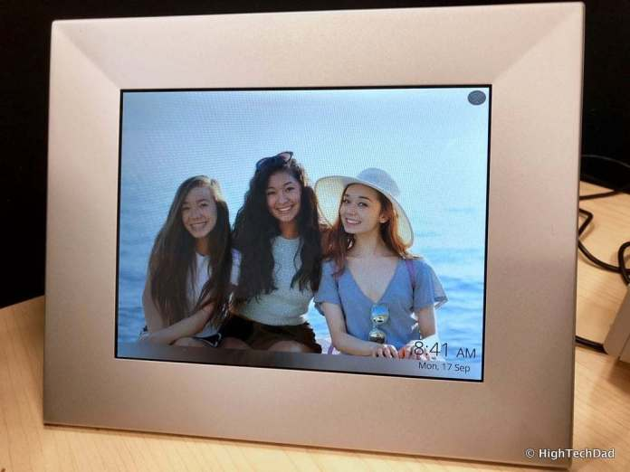 HighTechDad Nixplay digital frame - share memories of family during Mother's Day