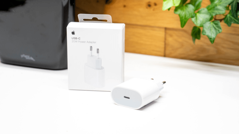 Top 7 Best iPhone 12 Chargers In 2021