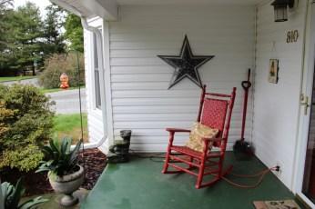 Barnstar on porch of my hosts in Radford, VA
