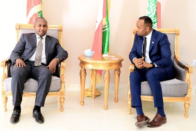 Suna East MP Junet Mohamed (l) led Kenya's delegation to high profile meeting in Somaliland on Friday, July 4. Photo: Liban Osman. Source: Facebook