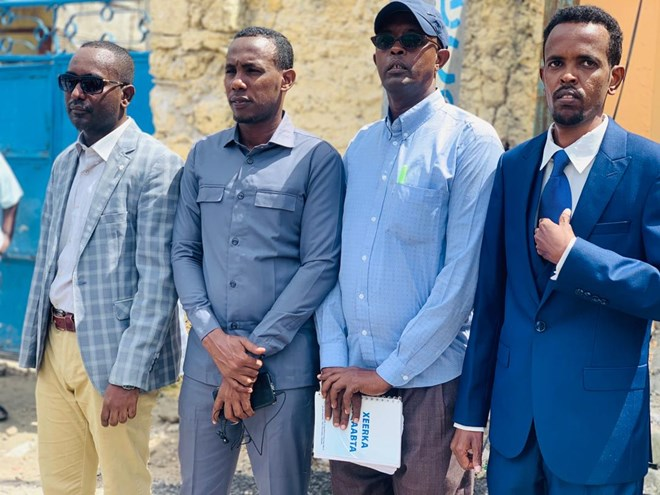 SJS and SOMA General Secretaries stand in solidarity with journalist Abdiaziz Gurbiye after the court appearance on Tuesday 7 July, 2020. | Photo/SJS.