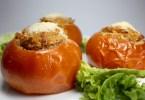 tomates rellenos de quinoa y bonito