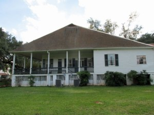 Main house on Oakland Plantation