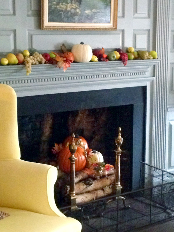 Thankgiving-Fall-at-Brick-House-Homestead-Museum-Georgian-Parlor
