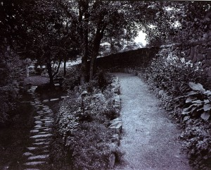 walking garden