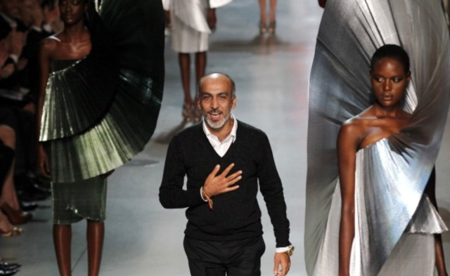 15 Most Famous Fashion Designers In India Himalayan Buzz