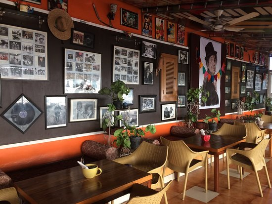 Sun Burn Bistro: Best Cafes IN Dehradun