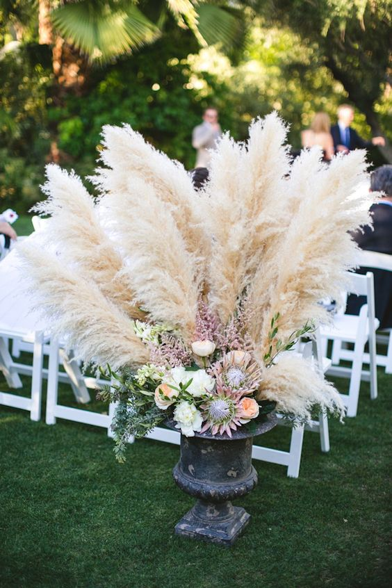 Wedding Trend 30 Boho Pampas Grass Wedding Ideas Page 5
