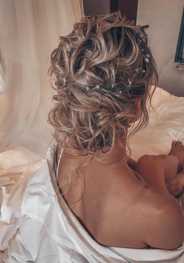 Messy updo wedding hairstyles for long hairtanya_ilyasevich_ 3