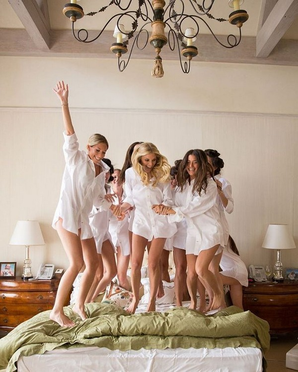 dancing on the bed bridesmaid photos