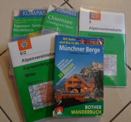 Kleine Auswahl an Wanderkarten