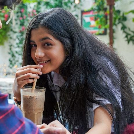 Ashlesha Thakur (Dhriti) Biography: Age, Family, HomeTown, Boyfriend, Education, Photo