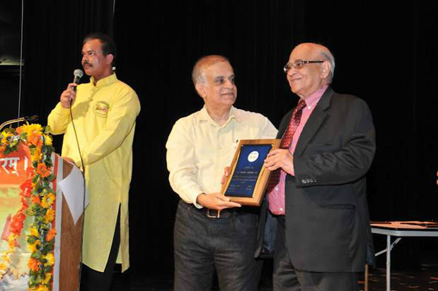 From Left : Mr. Devendra Singh, Director, HindiUSA; Dr. Rajiv Malhotra; Mr. Narain Kataria