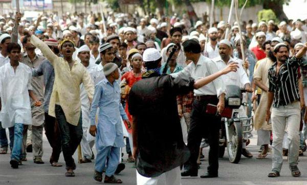 Muslim_mob_Hindu Dalit Riot
