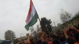 एनआईटी Students of NIT Srinagar Raise Flag