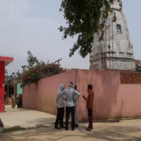 Priest and son found dead in Shiv temple - UP