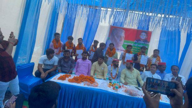 गाजियाबाद : बिहारीपूरा में चला सपा का सदस्यता अभियान,टीटू यादव बोले 2022 में बनेगी सपा सरकार