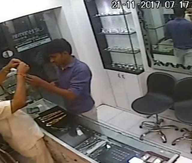 The Man Entered Mahavir Jewellers Shop In Bhayander East And Asked Mangilal Jain The Owner To Show Some Gold Chains Weighing  Grams And Above