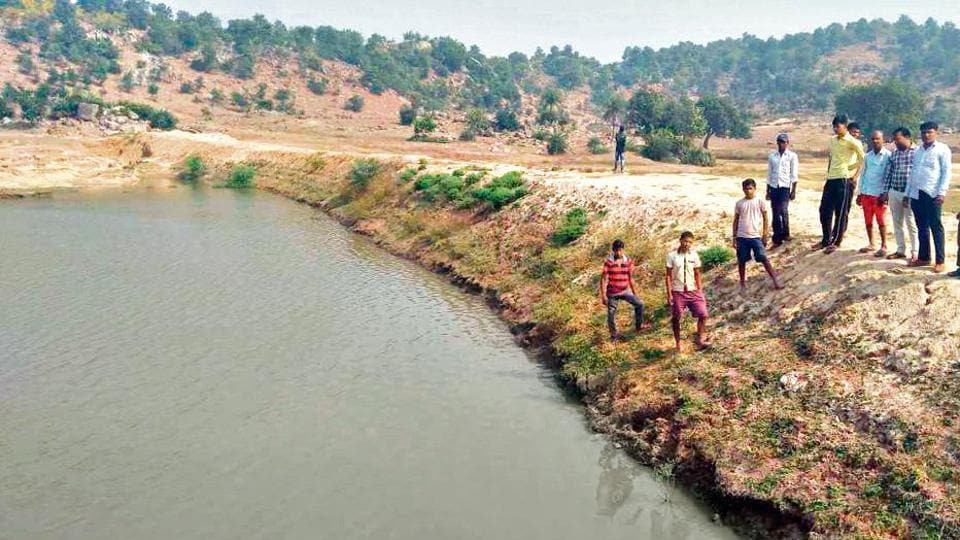 A check dam built by villagers along with Maghadh Jal Jamaat near Sijuaghati in Imamganj-Dumaria area.