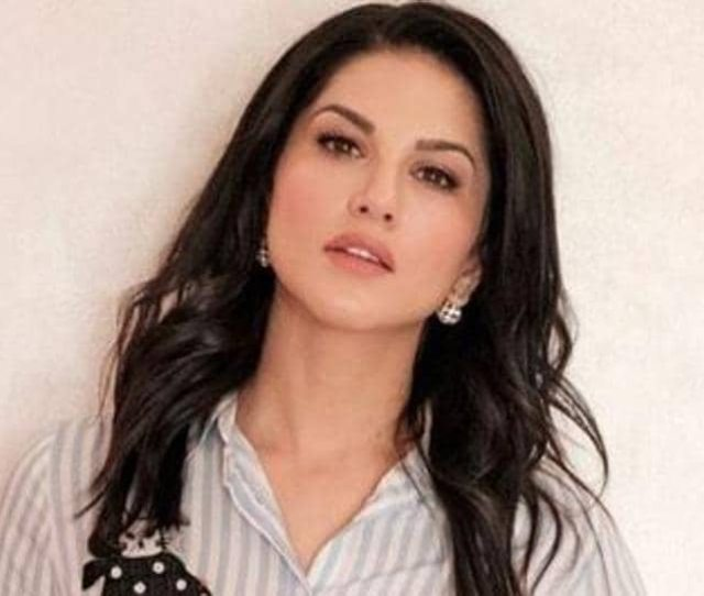 These Sunny Leone Looks Will Inspire You To Spice Up Your Summer Outfits Instagram Sunny Leone