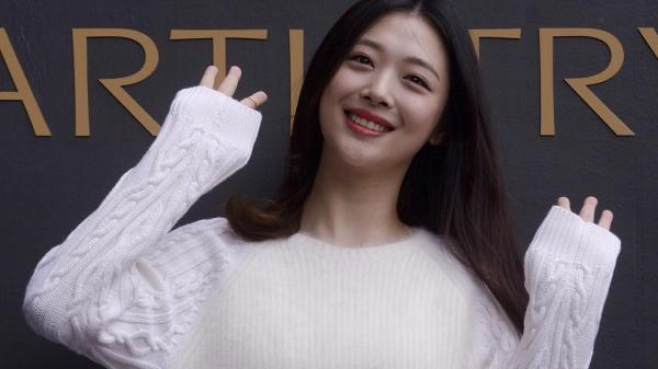 South Korean popstar Sulli found dead aged 25, police said she had