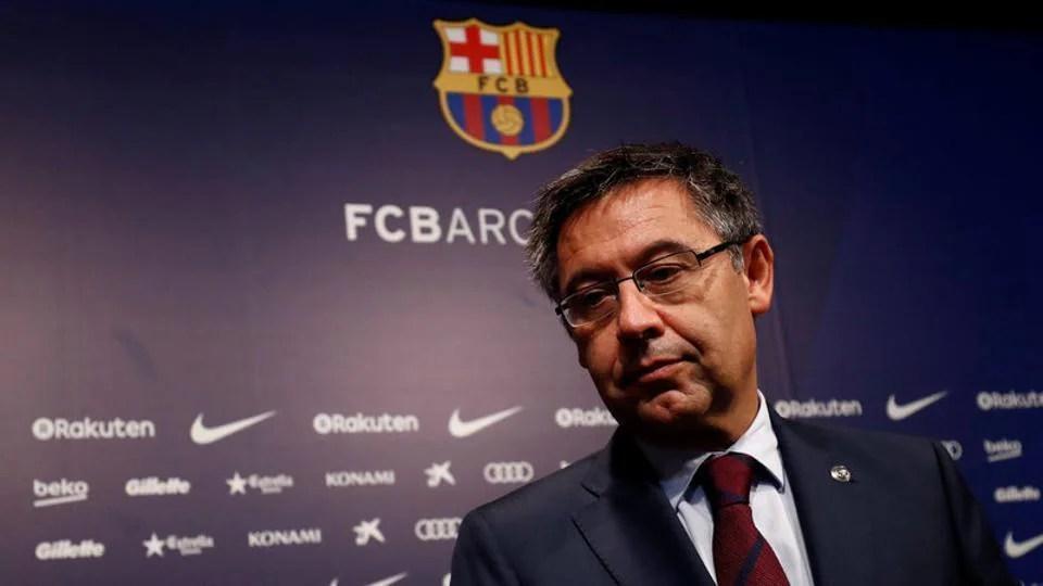 Barcelona president Bartomeu to face vote of no confidence – football