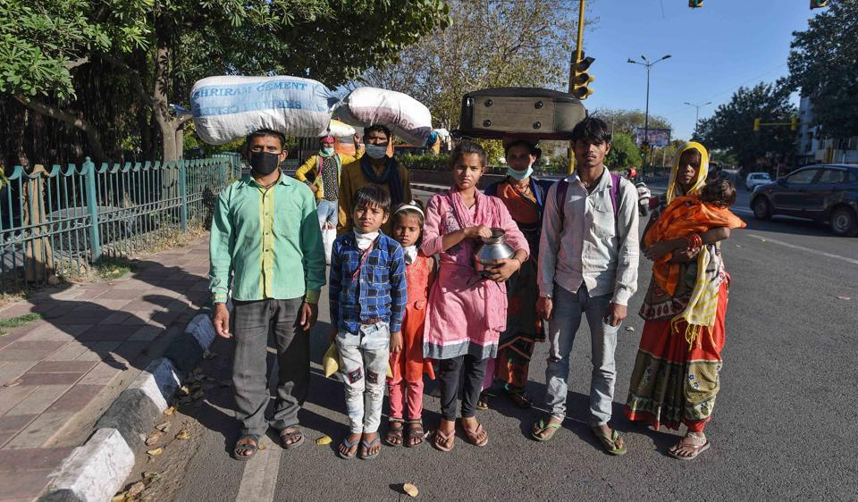 Migrant workers travelling during lockdown to be quarantined for 14 days: Centre to states