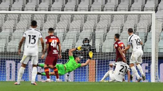 Juventus suffer first home league defeat for over two ...