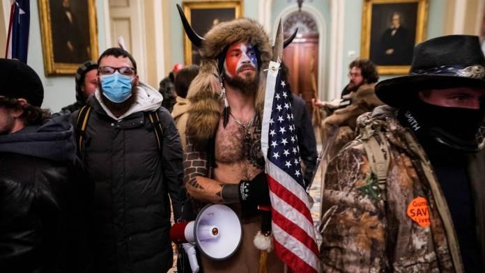 paramilitarismo norteamericano