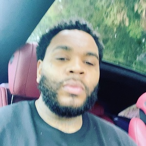 Kevin Gates is undeniably the man in the sex tape that is circulating Twitter. Because fans can't see the face of the woman, they say he better not be cheating on Dreka. The fans on Twitter have overwhelmingly said the tape was underwhelming.