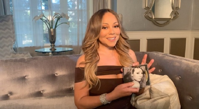 """Mariah Carey recently spoke to The Guardian, in promotion of her new book. The book is titled """"The Meaning of Mariah Carey"""" and she expands on many personal topics. When it came to James Packer, her billionaire ex-fiance, whom she was involved with, in 2017, Carey claims she never had sex with him, and that their relationship """"didn't matter"""" to her."""