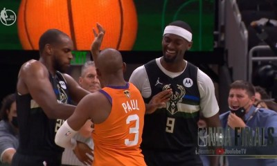 Bobby Portis stops Chris Paul from arguing with referee