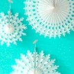Papieren sneeuwvlokken decoratie